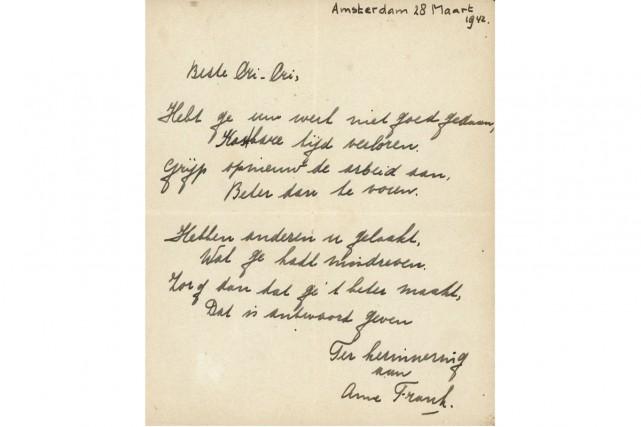 Un poème rédigé par Anne Frank peu avant que l'adolescente juive ne se cache... (PHOTO AFP)