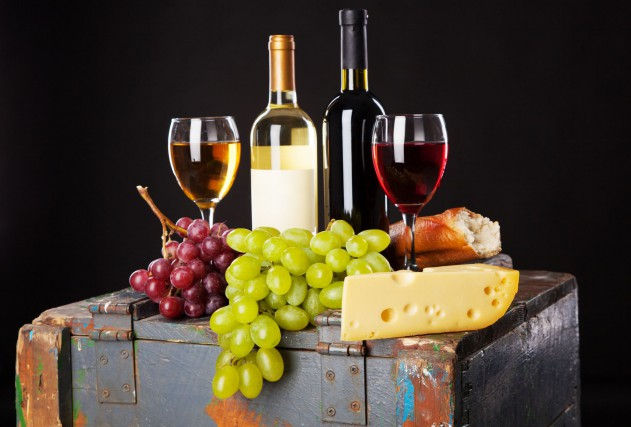 Une soirée vins et fromages se tiendra le... (123RF)
