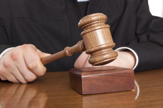 Un policier coupable de conduite avec facultés affaiblies (123RF)