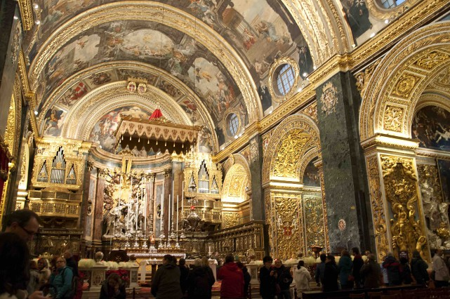 La décoration intérieure de la cocathédrale Saint-Jean de... (123RF/Brenda Kean)
