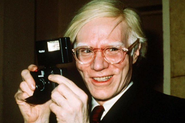 Andy Warhol en 1976... (Photo Richard Drew, Archives Associated Press)