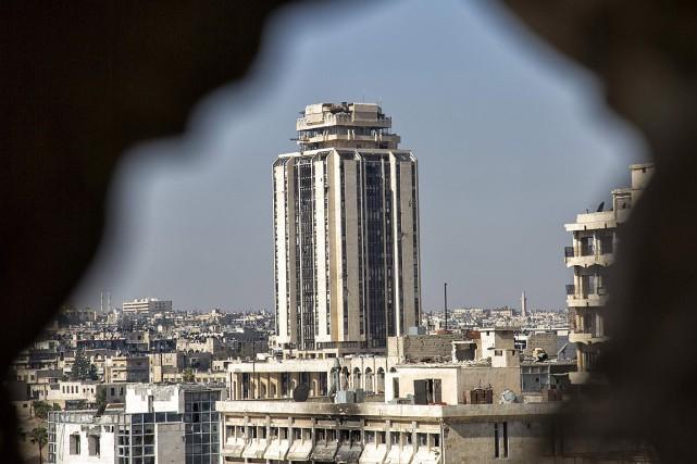 La «pause humanitaire» de 10heures a expiré à... (PHOTO KARAM AL-MASRI, AFP)