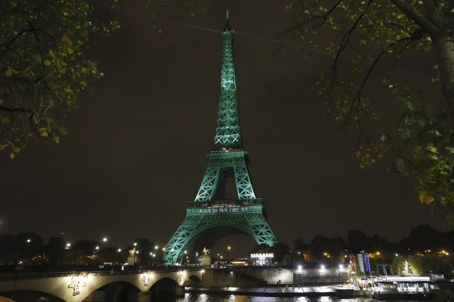 La Tour Eiffel a été illuminée de vert... (AFP)