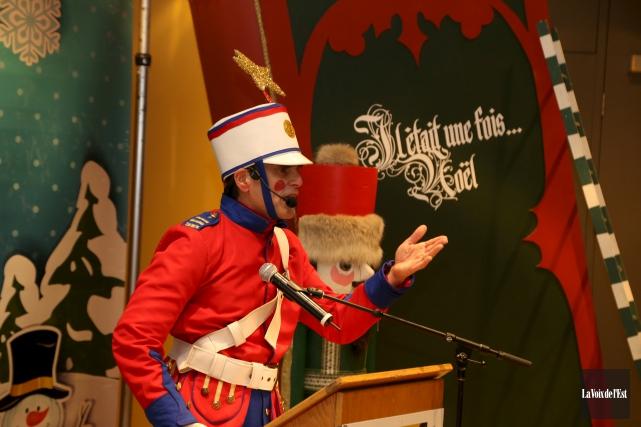 Le verbomoteur Colonel Trouillard a agi à titre... (Janick Marois, La Voix de l'Est)