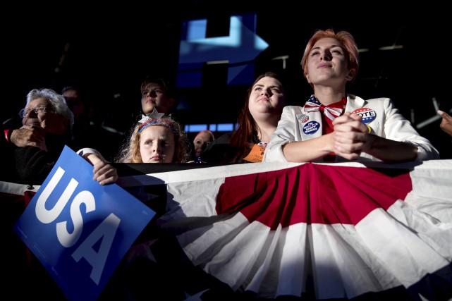 Des partisans de Clinton à un rassemblement démocrate.... (AP)