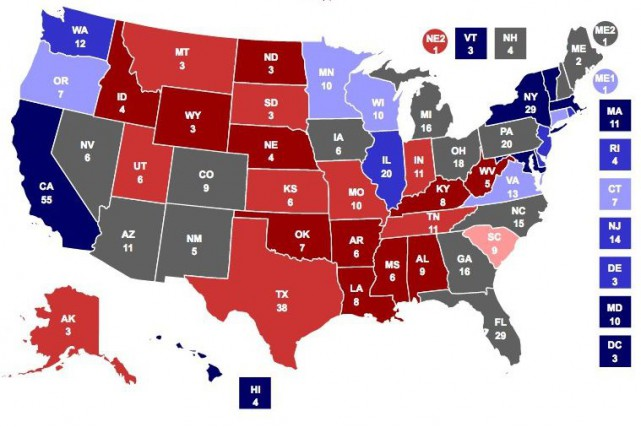Une douzaine d'États sont particulièrement importants dans l'élection... (Tirée du site Web Real Clear Politics)