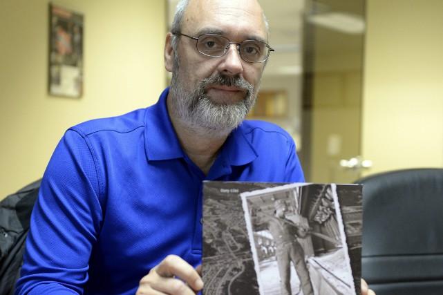 L'historien Dany Côté a produit un bijou de... (Photo Le Progrès-Dimanche, Jeannot Lévesque)