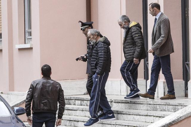 Les deux otages italiens, Bruno Cacace, et Danilo... (AP, Giuseppe Lami)