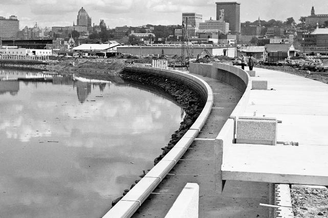 La rivière Saint-Charles en 1975... (Photo Archives de la Ville de Québec, nº013845)