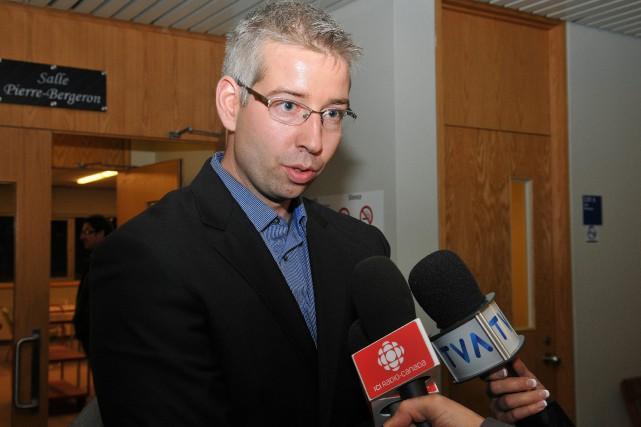 Le candidat aux élections municipales de 2013, Dominic... (Archives Le Progrès-Dimanche, Rocket Lavoie)