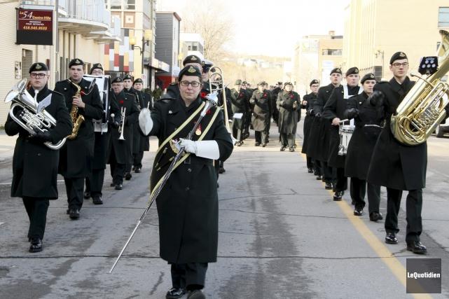 Une parade militaire, organisée pour souligner le jour... (Photo Le Quotidien, Yohann Gasse)