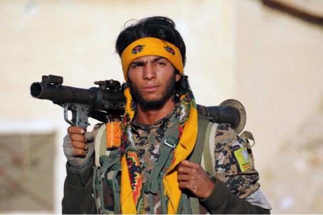 Les FDS, qui comptent 30 000 combattants, ont... (Photo AFP)