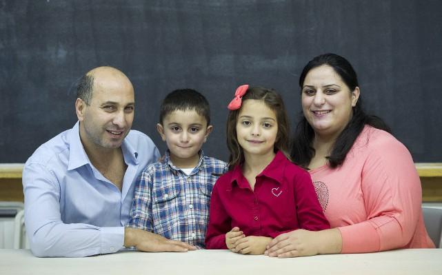 La famille composée de Samir Altabra (gauche), Fadi,... (La Presse canadienne, Graham Hughes)