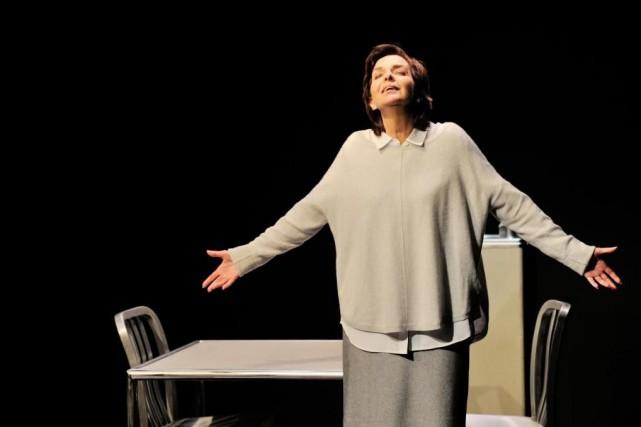 Seule sur scène pendant une heure et demie,Micheline... (photo Suzanne O'Neill, fournie par la production)