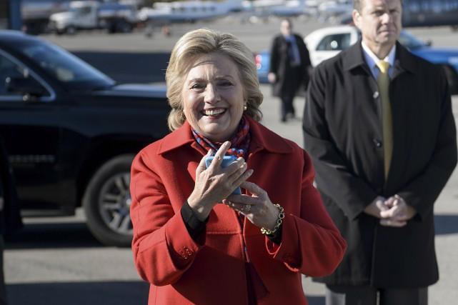 Hillary Clinton à son arrivée à White Plains,... (AFP, Brendan Smialowski)