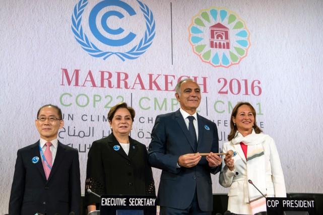 Le nouveau président de la COP22, le ministre... (photo FADEL SENNA, AFP)