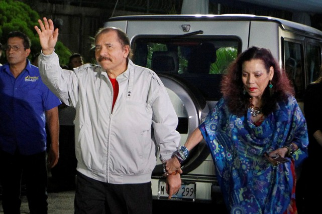Daniel Ortega et Rosario Murillo forment un tandem... (photo Oswaldo Rivas, archives REUTERS)