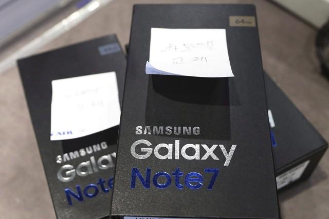 Des téléphones Galaxy Note 7 de Samsung.... (Archives AP, Lee Jin-man)