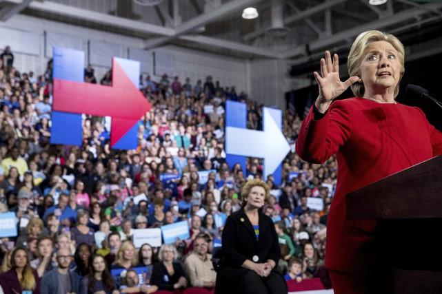 Hillary Clinton lors d'un discours dans l'État du... (Photo AP)