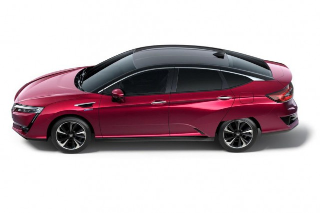 La Clarity Fuel Cell de Honda consomme 3,46 L/100 km.... (Photo : Honda)