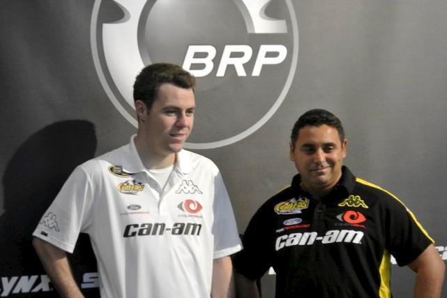 Alex Labbé (à gauche) en compagnie d'Alain Lord... (fournie par Go Fas Racing)