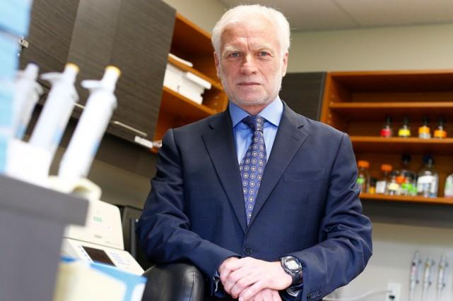 Le prix Armand-Frappier sera remis officiellement au Dr.... (Le Soleil, Yan Doublet)