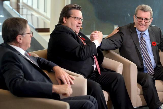 Denis Coderre (au centre) a fait l'aller-retour depuis... (Le Soleil, Erick Labbé)