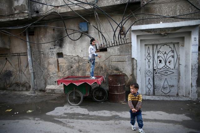 «Le missile est tombé dans une rue où... (REUTERS)