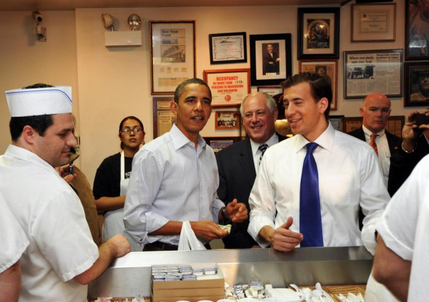 Le Valois cafe, l'endroit favori de Barack Obama... (PHOTO Jewel Samad, archives Agence France-Presse)