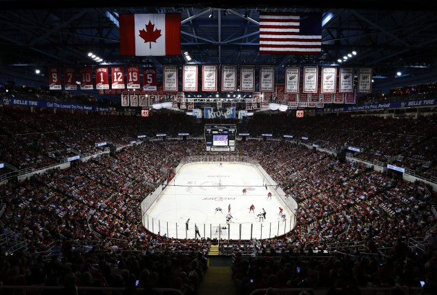 Les Red Wings de Detroit disputent leur dernière... (Photo Paul Sancya, AP)