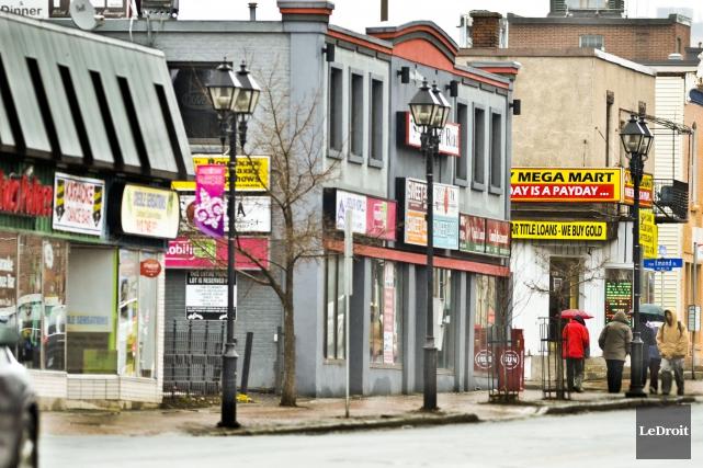 «Nous ne voulons pas que le chemin Montréal... (Martin Roy, Archives Le Droit)