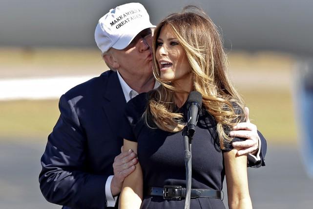 Donald Trump et sa femme Melania, ancienne mannequin,... (AP, John Bazemore)