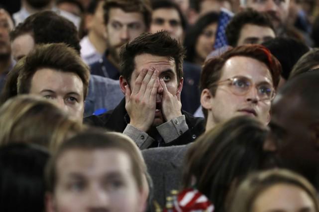Un partisan d'Hillary Clinton peine à contenir son... (Photo Frank Franklin II, AP)