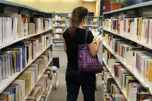 Les bibliothèques sont-elles devenues désuètes ?... (Patrick Woodbury, Archives Le Droit)