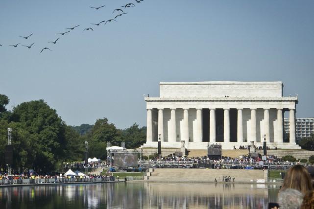 Les 36 colonnes du Lincoln Memorial représentent le... (PHOTO MLADEN ANTONOV, ARCHIVES AGENCE FRANCE-PRESSE)