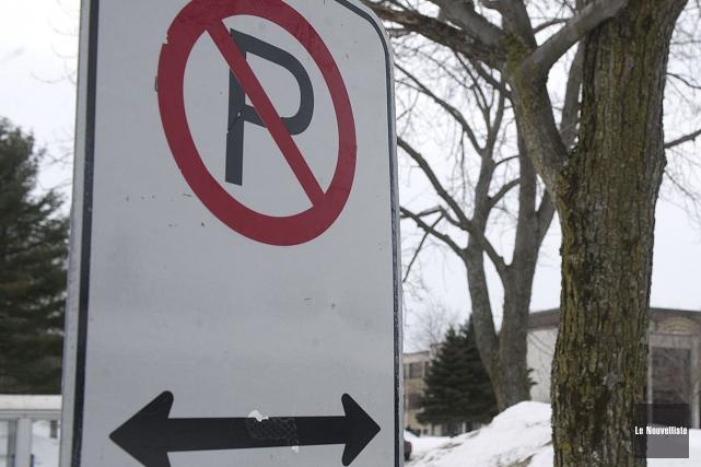 Le stationnement sera interdit lors d'opérations de déneigement,... (Stéphane Lessard, Le Nouvelliste)