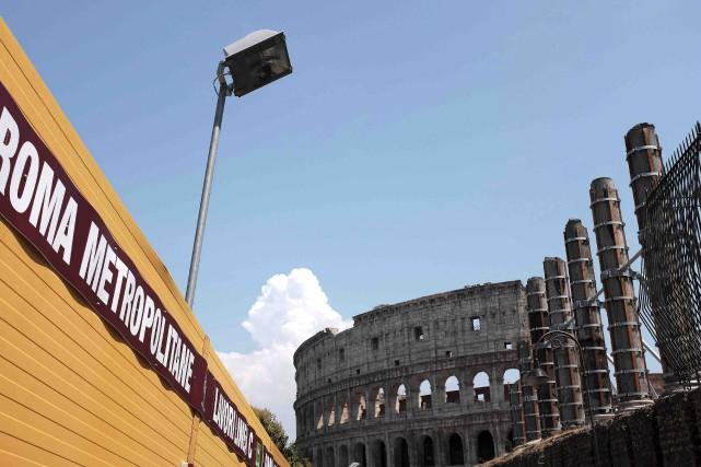 Devant le dépassement phénoménal des coûts, la ligne... (AFP, Alberto Pizzoli)