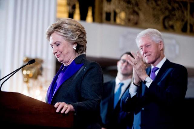 Dans un discours émotif, la candidate démocrate malheureuse... (PhotoAndrew Harnik, Associated Press)