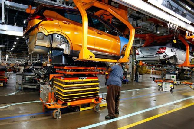 Les ventes des fabricants canadiens ont atteint un sommet record en mars,... (PhotoDuane Burleson, Archives Associated Press)