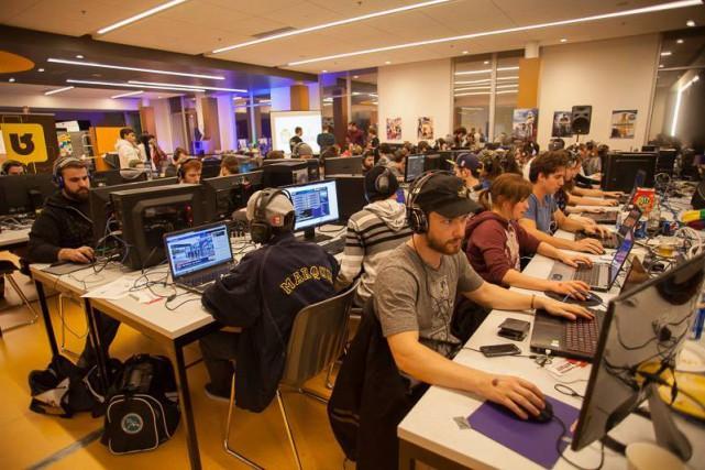 S'asseoir devant un jeu vidéo ou un jeu de société pendant 24 heures... (Photo tirée de Facebook)