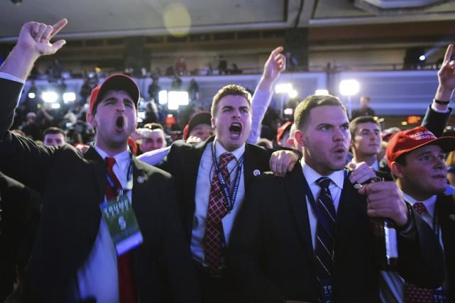 Des partisans de Trump célèbre la victoire du... (AFP)