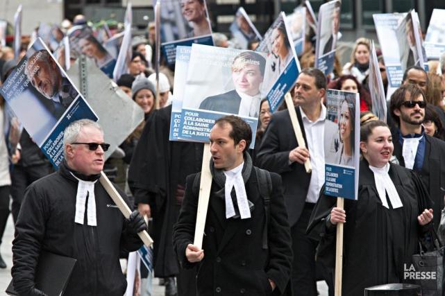En grève depuis le 24 octobre, les juristes... (PHOTO PATRICK SANFAçON, archives LA PRESSE)