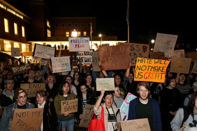 Des manifestants ont marché dans les rues d'Eugene,... (PHOTO Eric Evans, REUTERS)