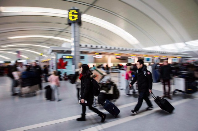 Les aéroports américains devraient être très achalandés en... (PhotoMark Blinch, archives La Presse canadienne)