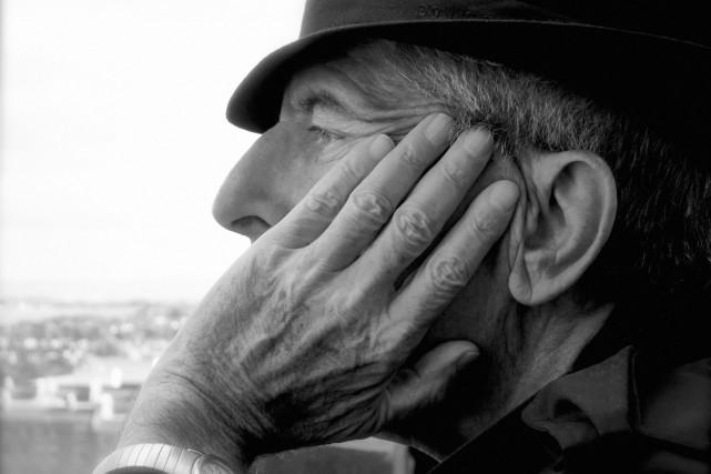 Le mythique poète et chanteur Leonard Cohen a été enterré à Montréal au même... (Photo fournie par Sony Music Canada)