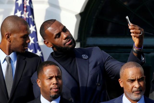 LeBron James et les Cavaliers de Cleveland ont... (Photo Kevin Lamarque, REUTERS)