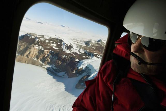 John Kerry, parti vers la Nouvelle-Zélande le jour... (photo MARK RALSTON, AFP)