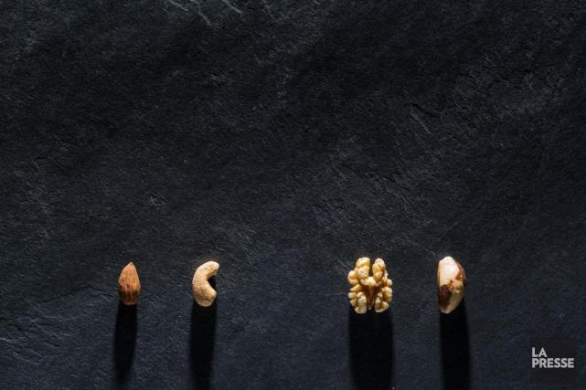 Les noix se distinguent grâce à leurs protéines... (PHOTO ÉDOUARD PLANTE-FRéCHETTE-LA PRESSE)