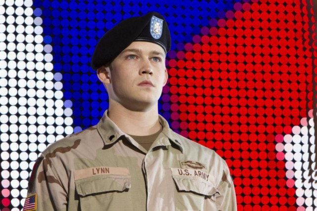 Joe Alwyn dans Billy Lynn's Long Halftime Walk... (Photo fournie par Columbia Pictures)