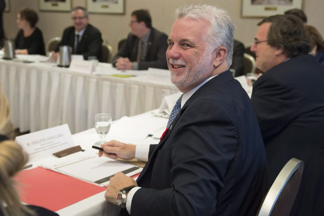 Philippe Couillard... (PHOTO Jacques Boissinot, PC)